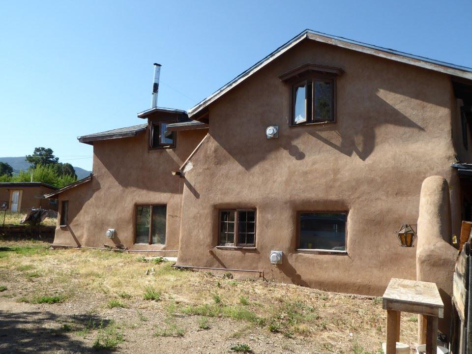 2049 La Lama Road, Taos, NM 87571
