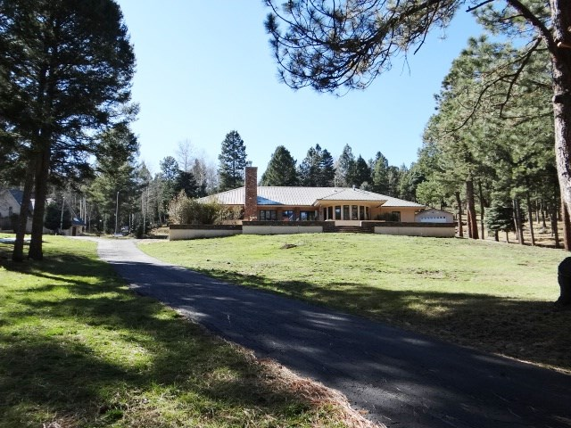 81 Pam Coleman Dr, Angel Fire, NM 87710