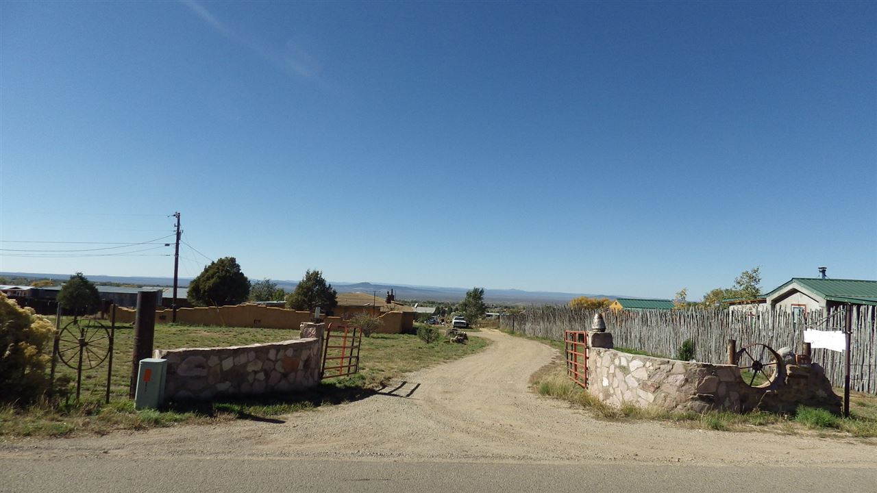 150A Maestas Rd, Taos, NM 87571
