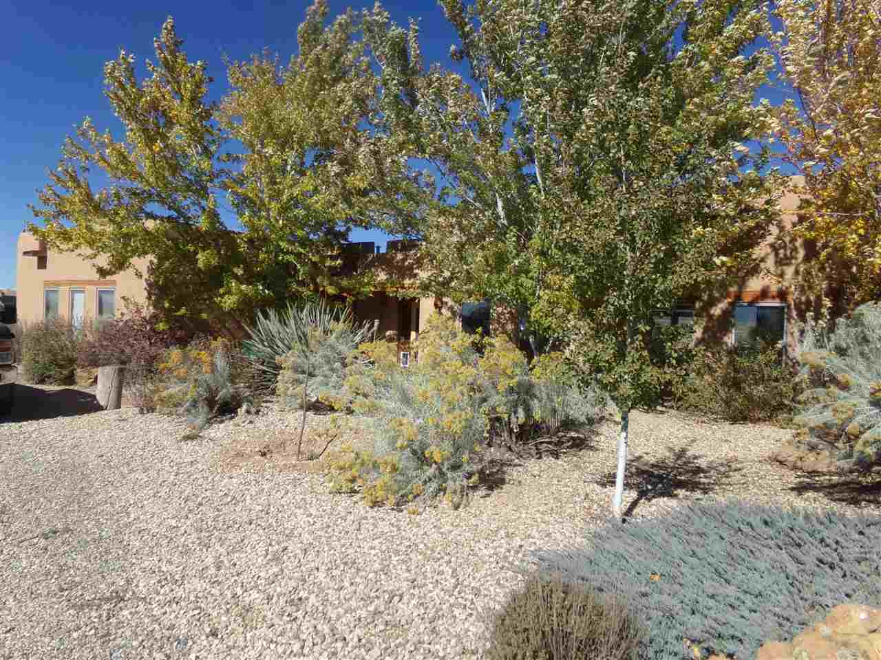1035 Sunshine Rd., Ranchos de Taos, NM 87557