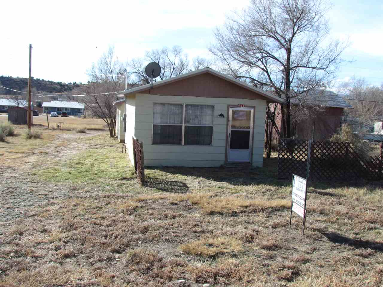 420 E 7th St, Cimarron, NM 87714