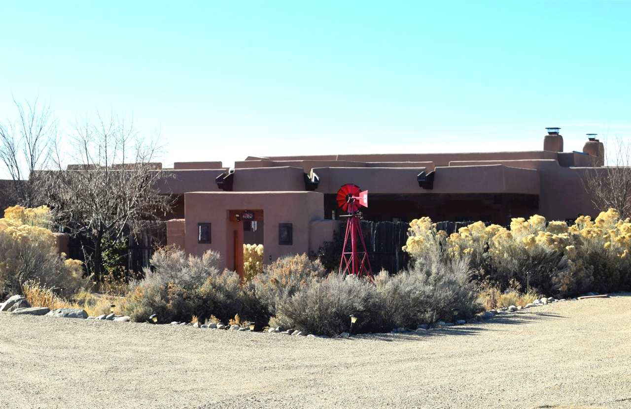 268 Blueberry Hill Road, El Prado, NM 87529