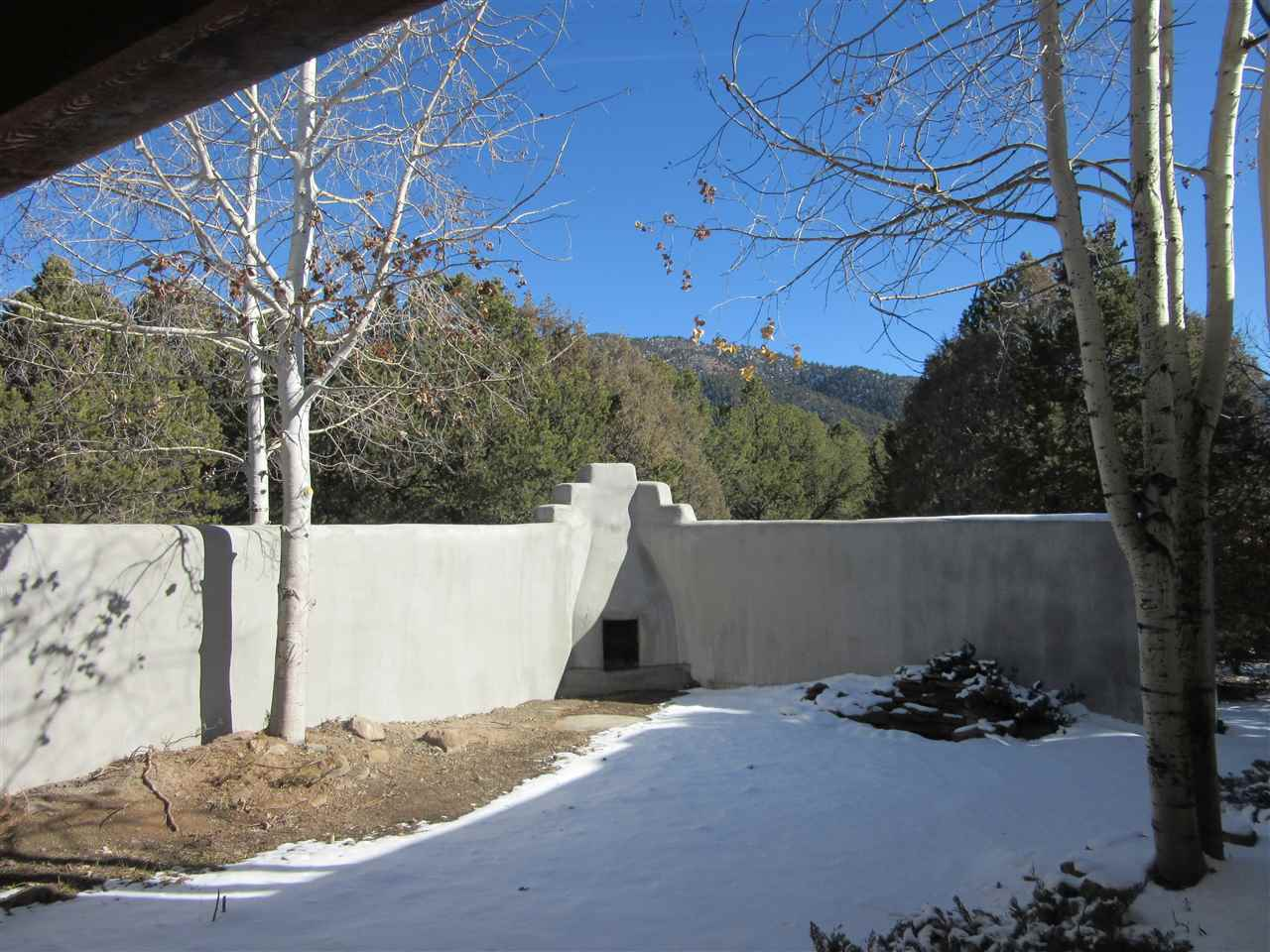 http://search.taosmls.net/taos_mls/images/101028-16.JPG