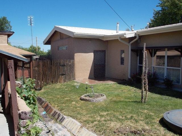 28 State Road 382 (Hot Springs Rd), Ranchos de Taos, NM 87557