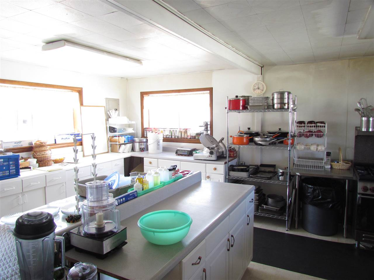 636 9th Street, Cimarron, NM 87714