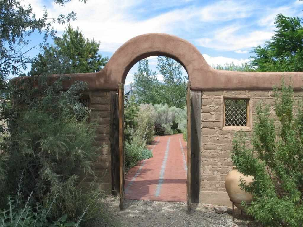 Taos Real Estate, MLS 101181