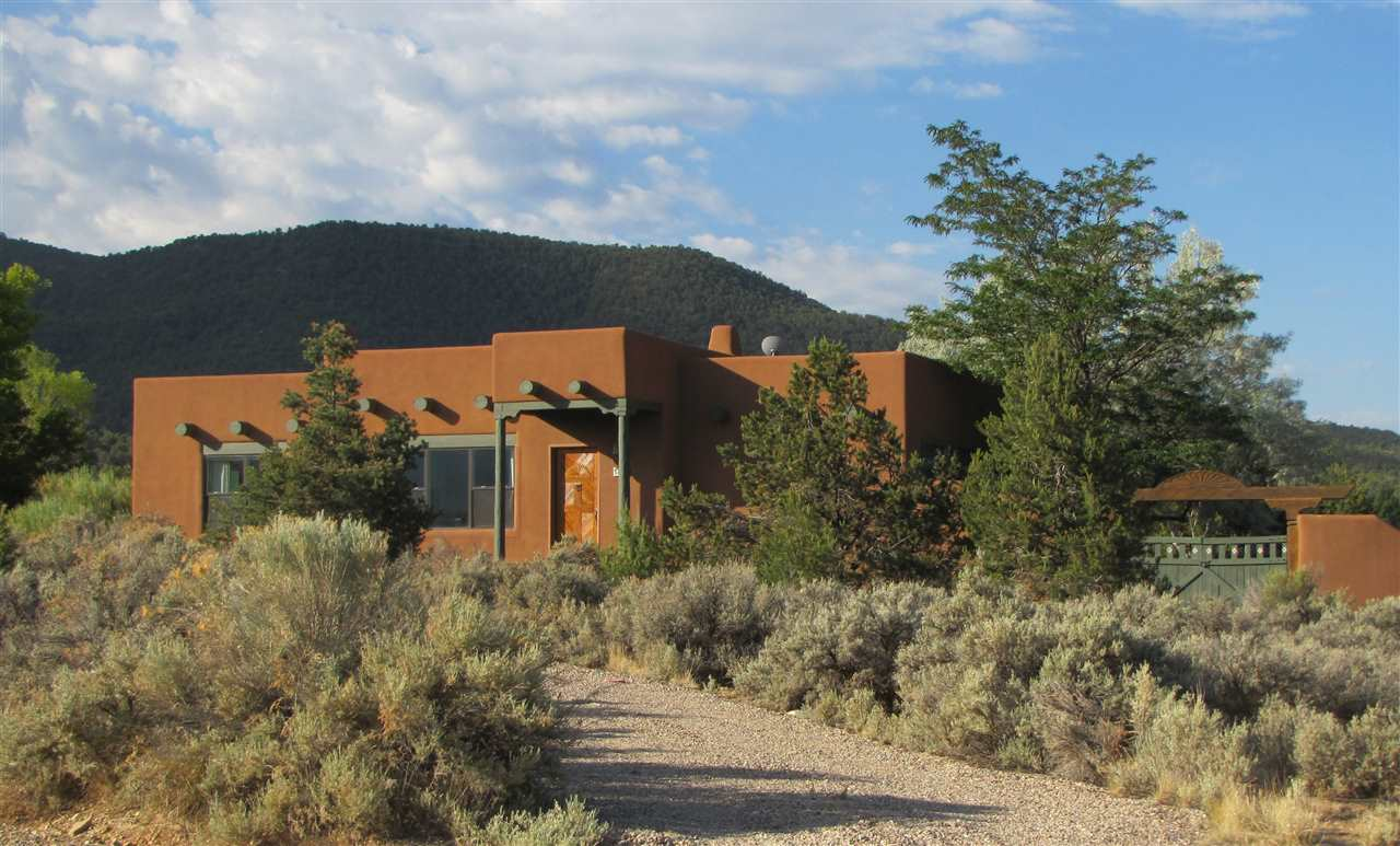 1450 Couse Street, Taos, NM 87571