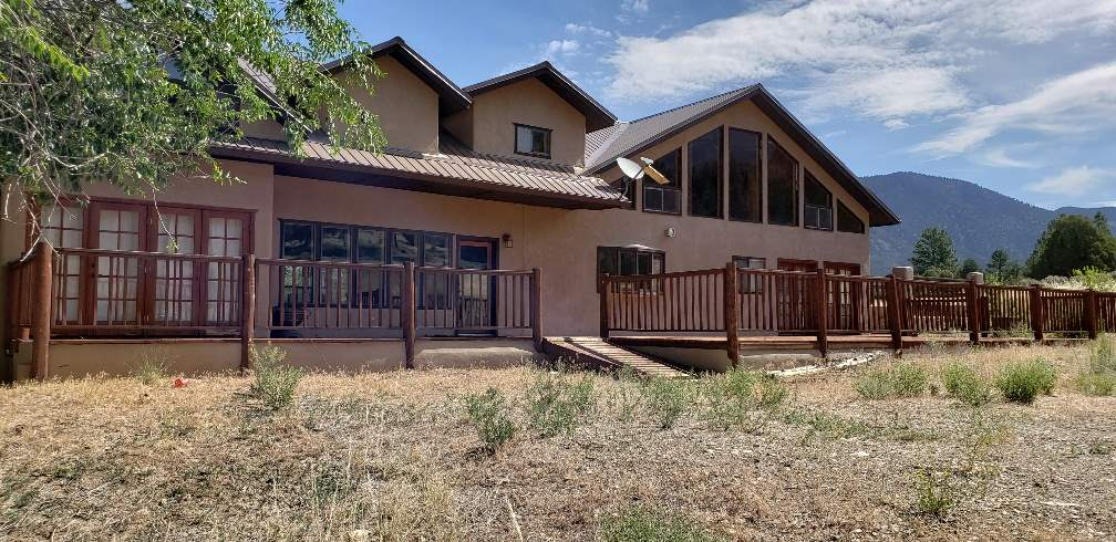 2380 Old Red River Road, Questa, NM 87556