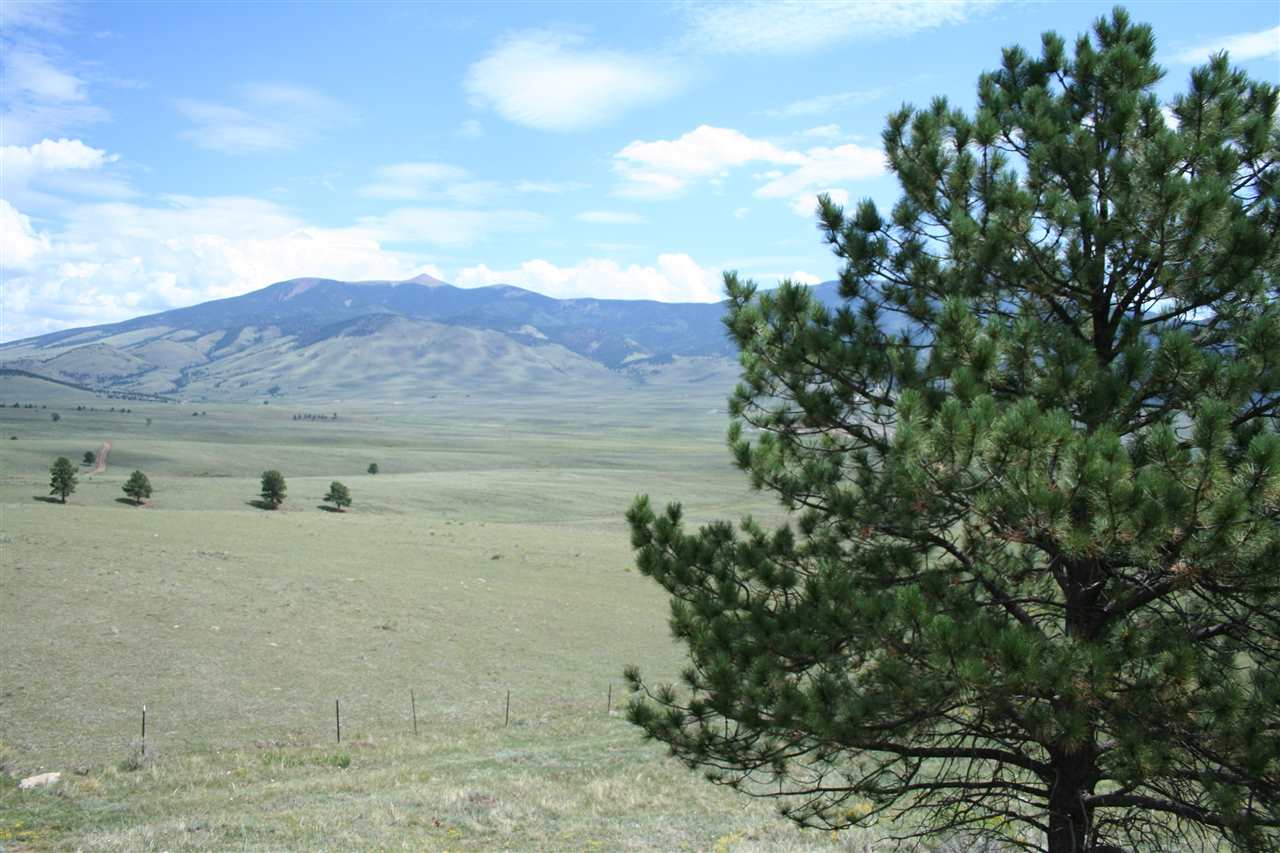 51 Rd 12, Eagle Nest, NM 87718