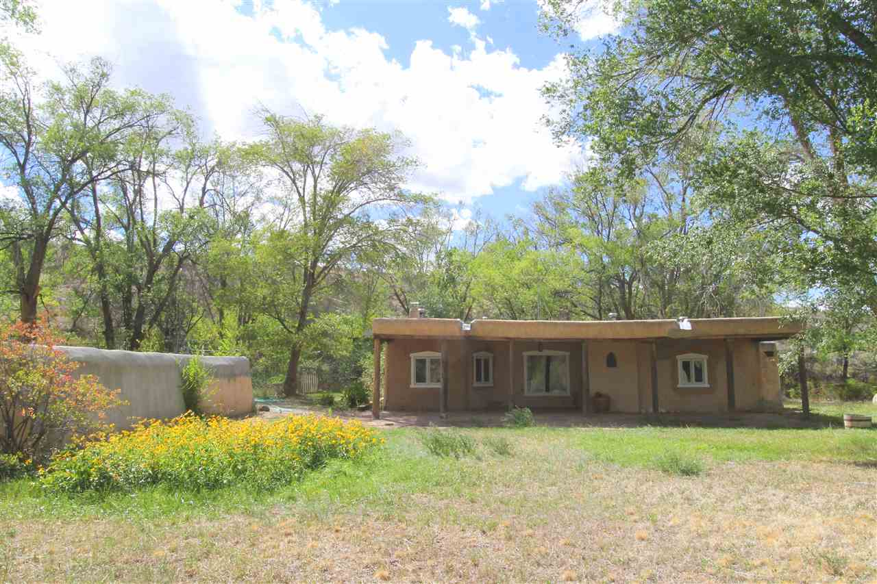 55 Valle Lindo Road, Ranchos de Taos, NM 87557