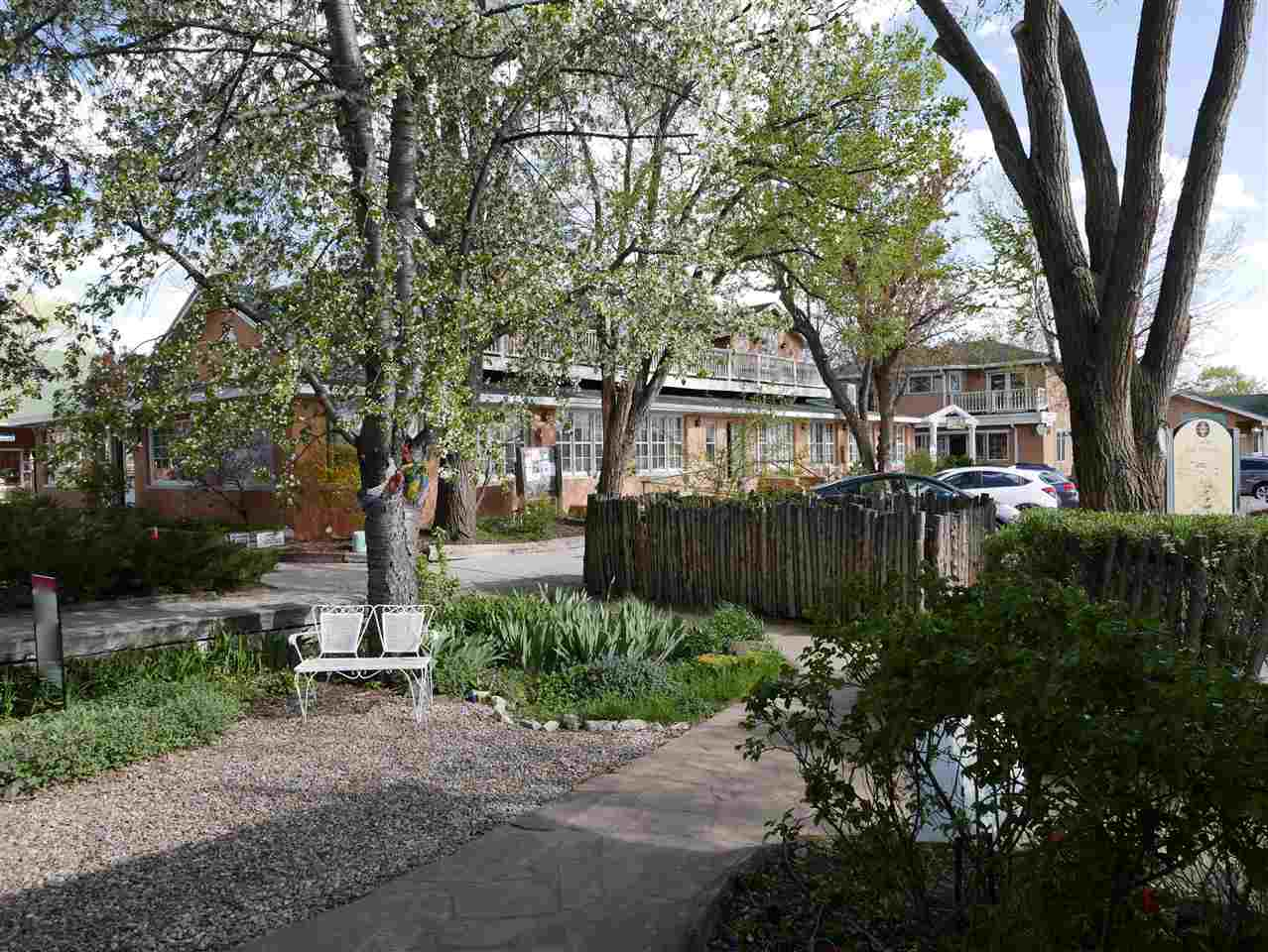 130 132  134 Bent Street, Taos, NM 87571