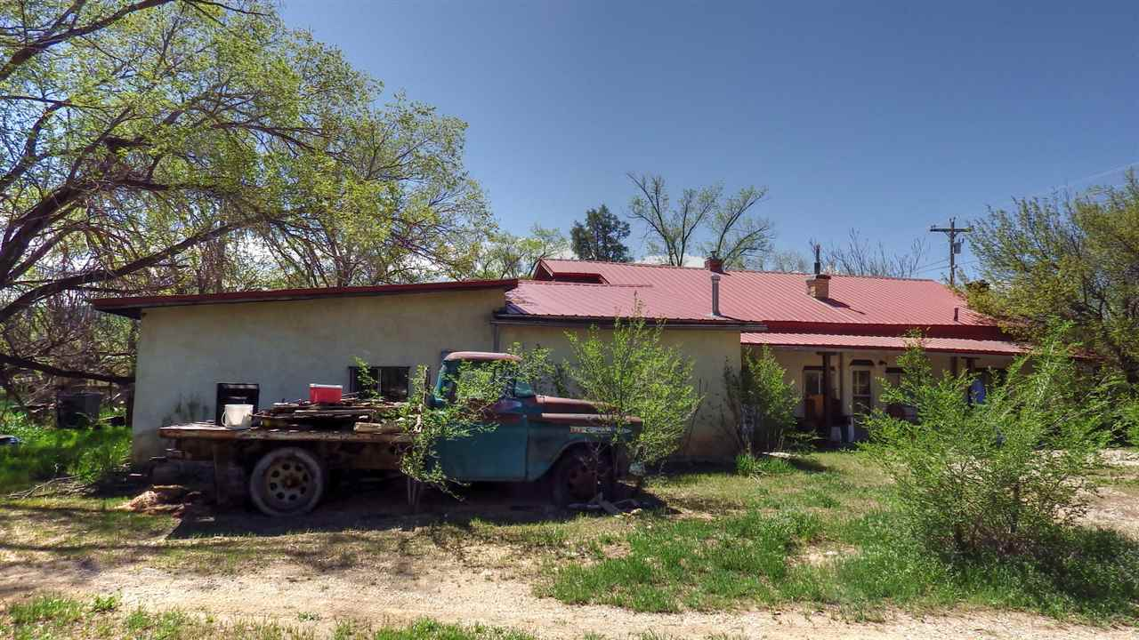 33 HWY 240, Ranchos de Taos, NM 87557