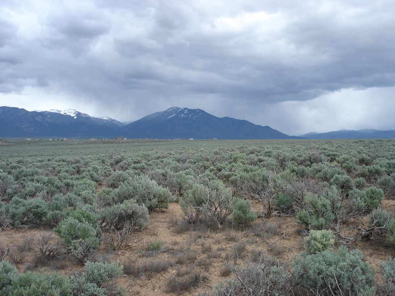 Off Gravel Pit Rd, Taos, NM 87571