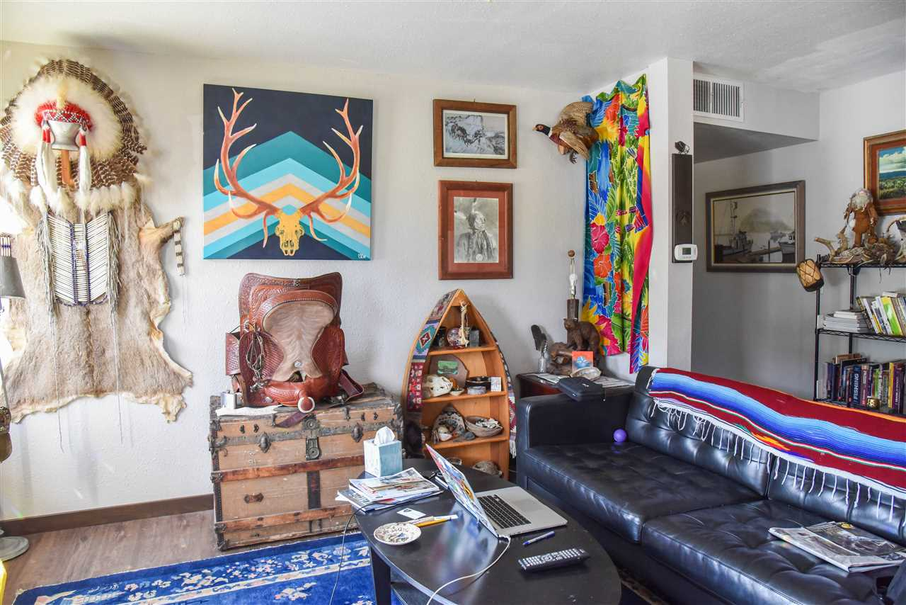 746 State Highway 196, Amalia, NM 87512