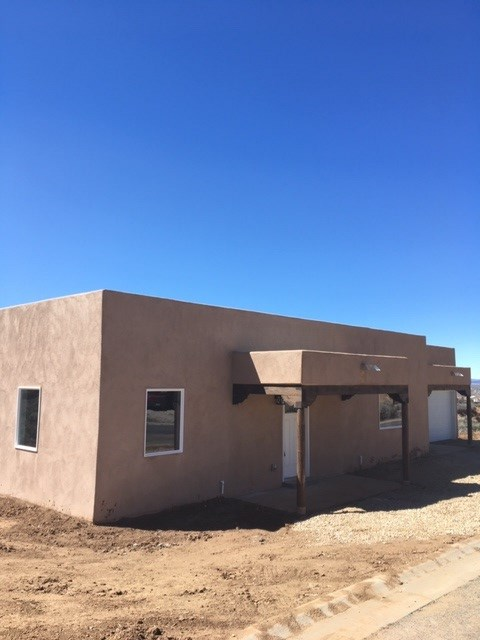 1290 Temargo Road, Taos, NM 87571