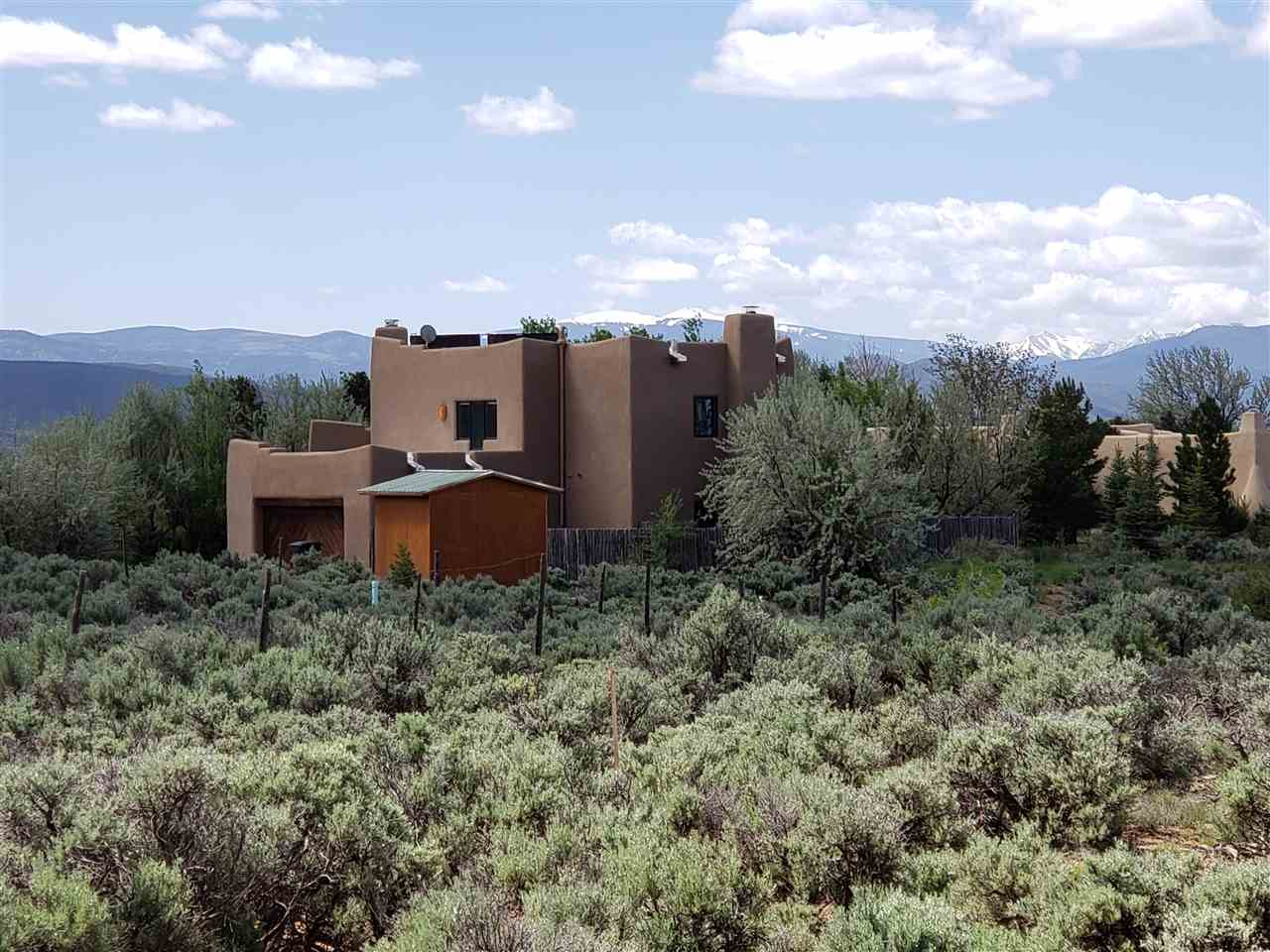 1350 Half Moon, Taos, NM 87529