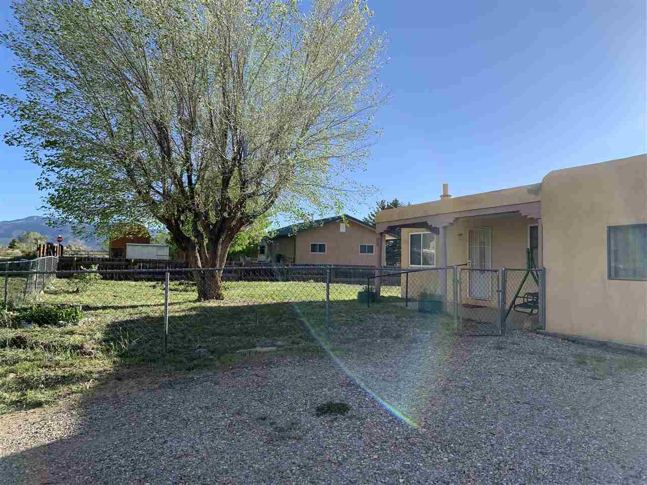 108 Adobe Lane, Taos, NM 87571