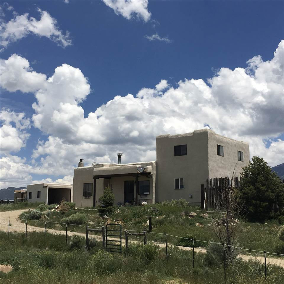 7 Shadow Mountain Rd, El Prado, NM 87529