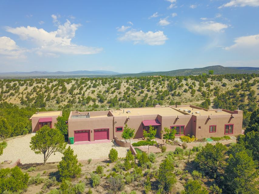 70 Sandia Canyon Road, Taos, NM 87571
