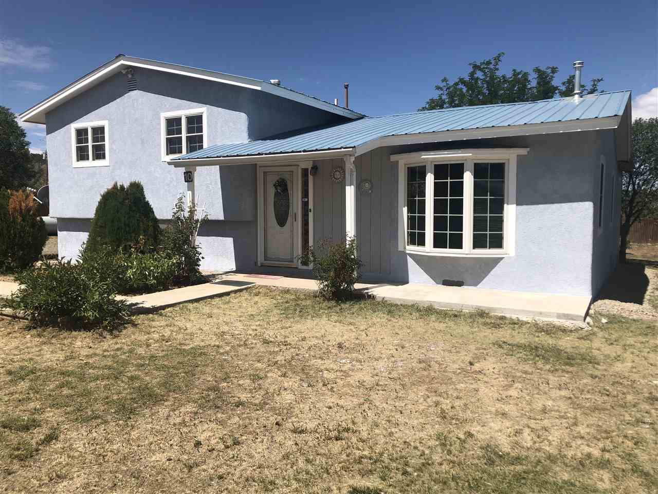 10 Gurule Road, Penasco, NM 87552