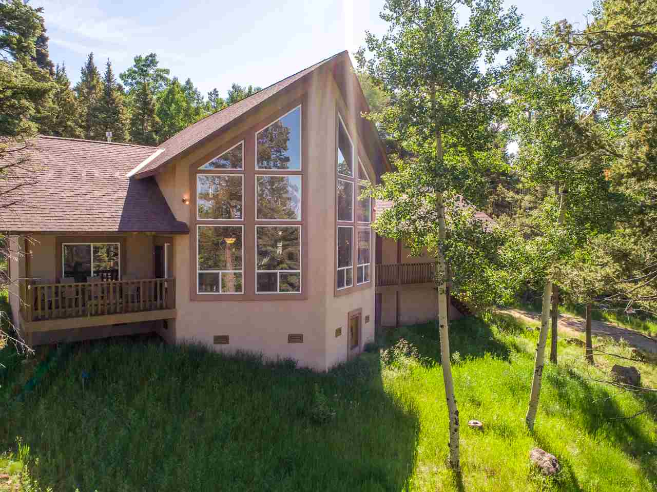 24 Cheerful Way, Angel Fire, NM 87710