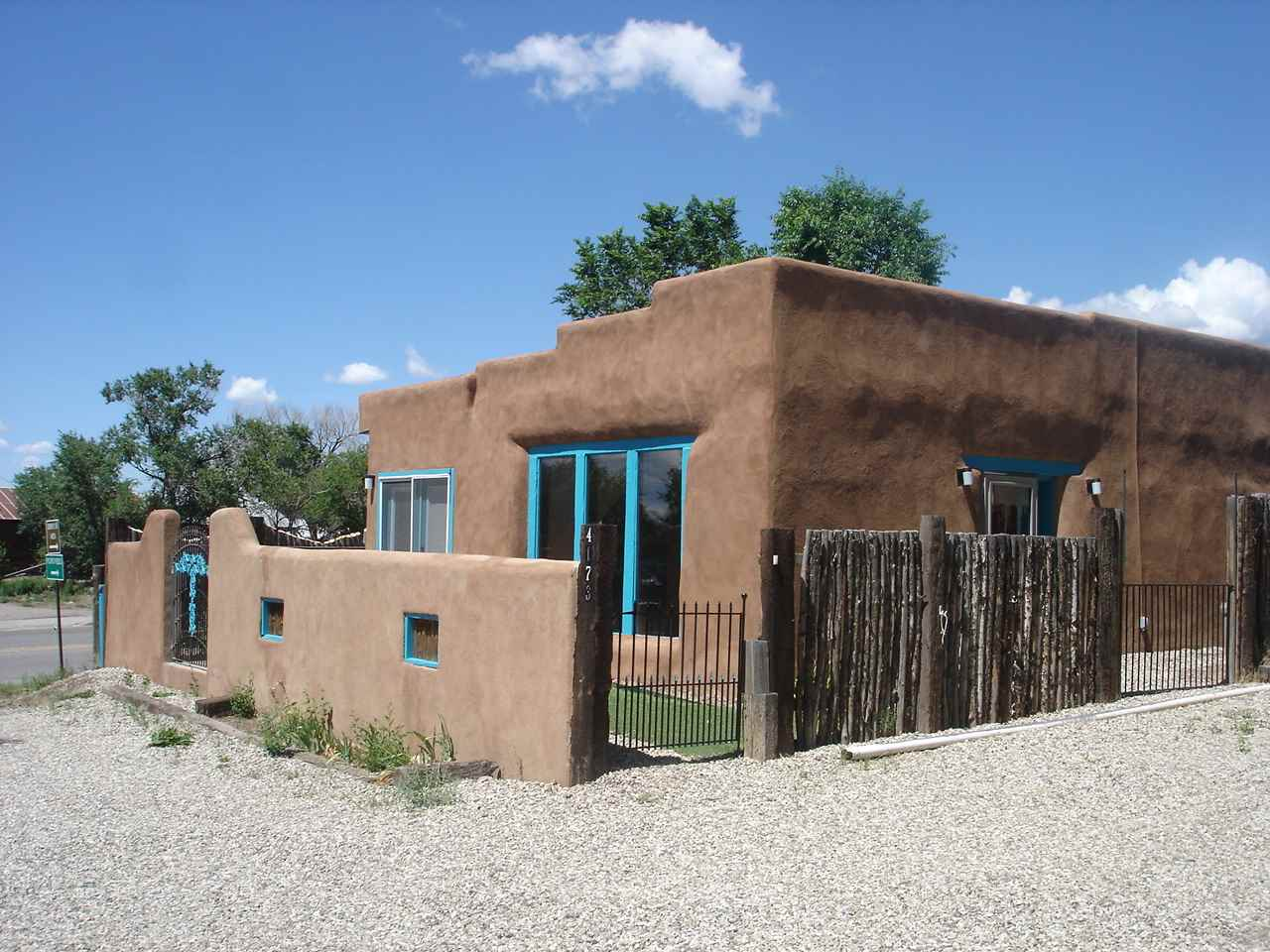4173 State Road 68, Ranchos de Taos, NM 87557