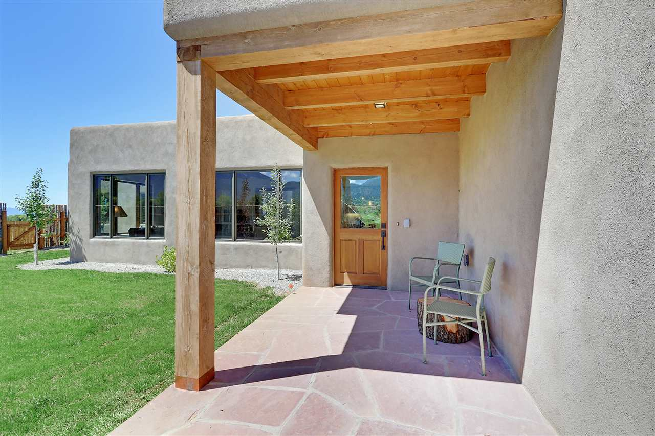 520 State Hwy 150, Arroyo Seco, NM 87514