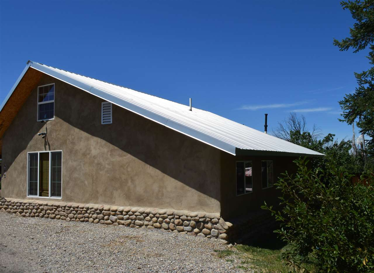 109 Santa Barbara Road, Vadito, NM 87579