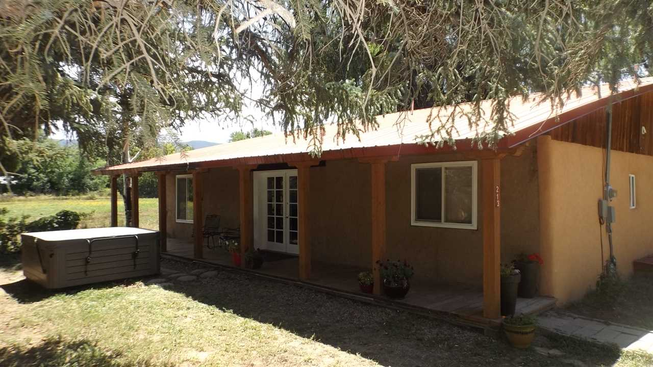 213 Murray Lane, Taos, NM 87571