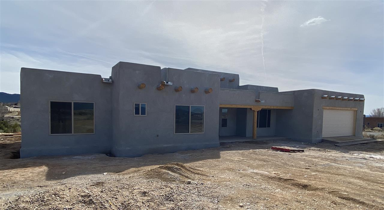304 Morgan, Taos, NM 87571