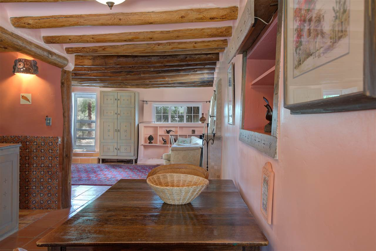 1090 Sunshine Road, Ranchos de Taos, NM 87557