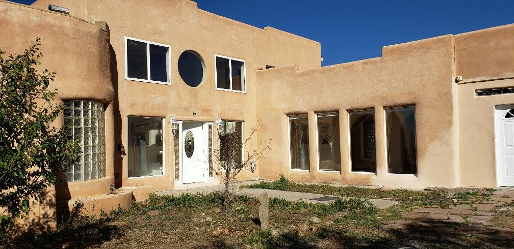 261 C Maria Elena Loop, Taos, NM 87571