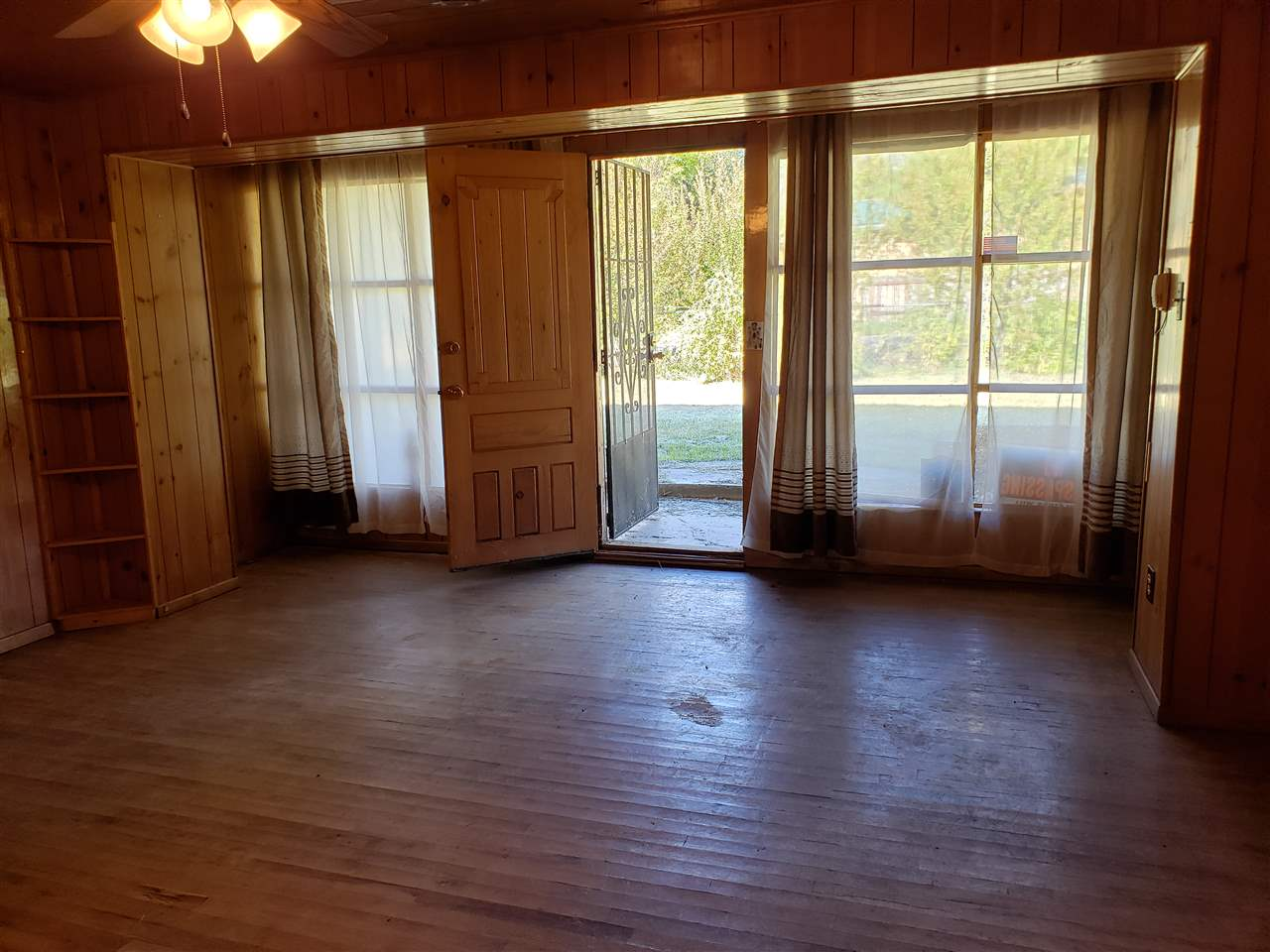 8 San Francisco St, Ranchos de Taos, NM 87557