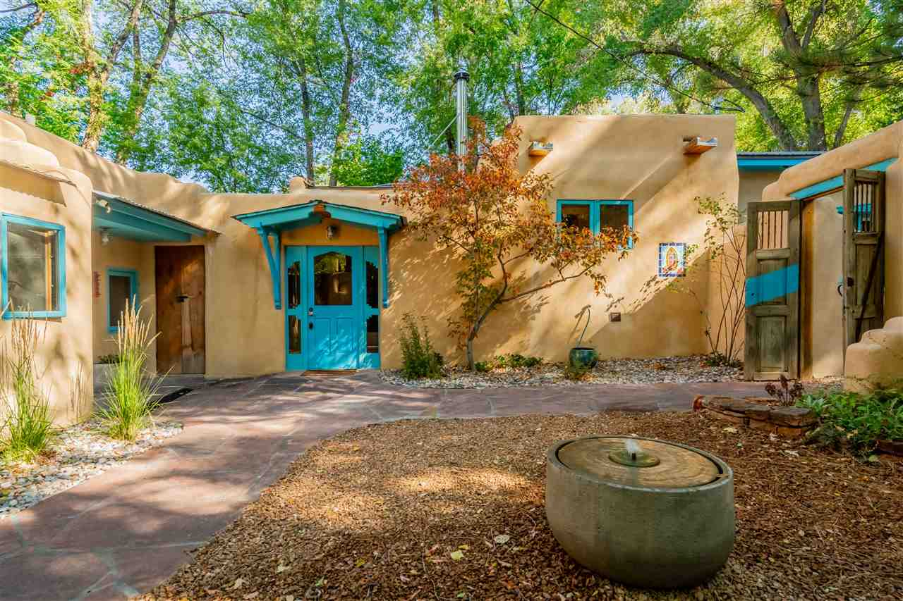 402 Burch Street, Taos, NM 87571