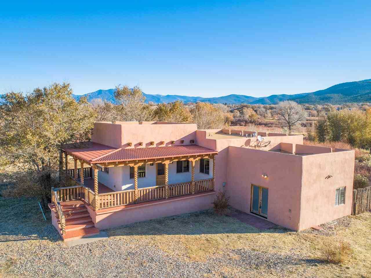 110 Vista del Valle, Ranchos de Taos, NM 87557