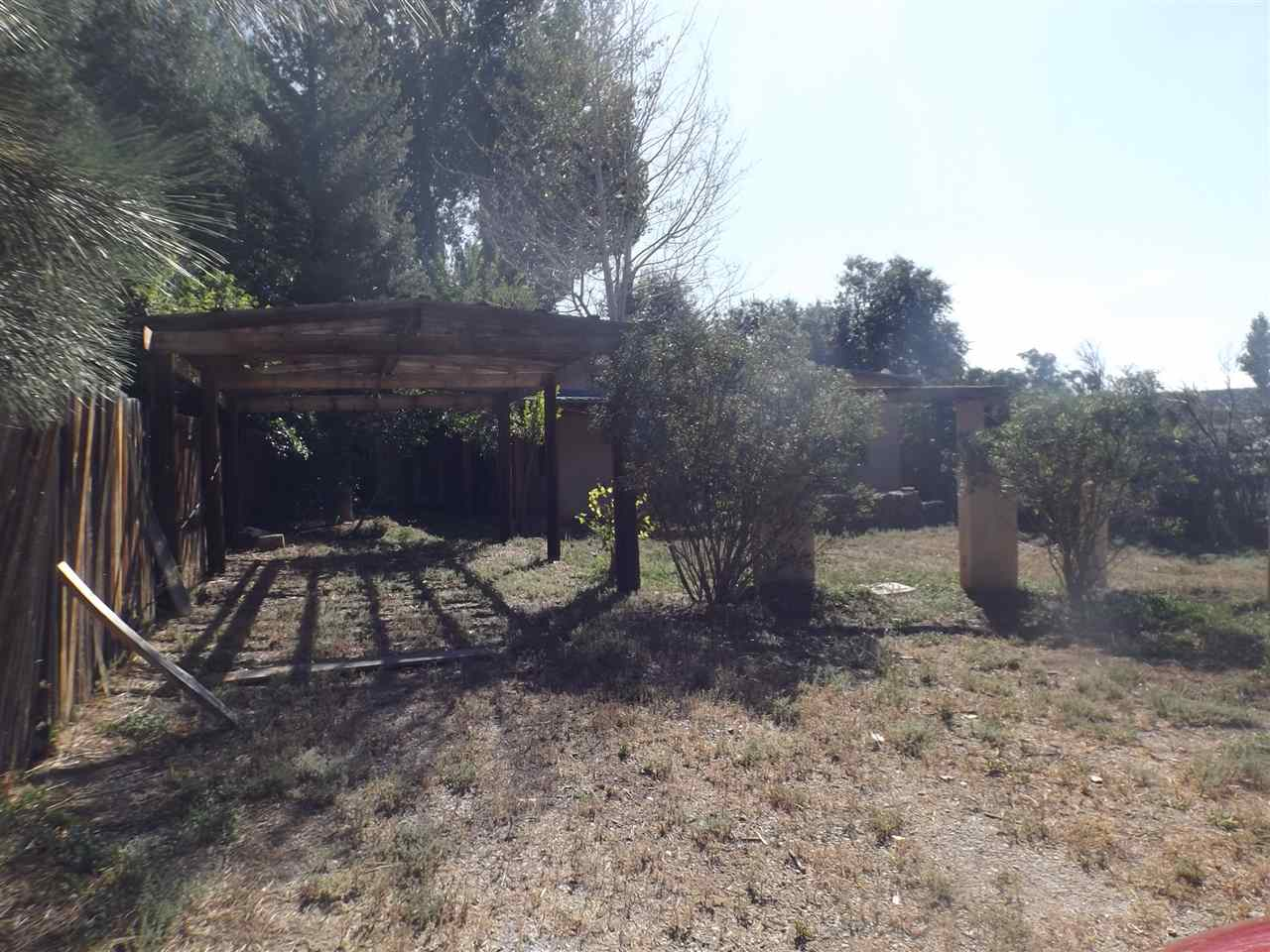 13 Camino de Placita, Arroyo Hondo, NM 87513