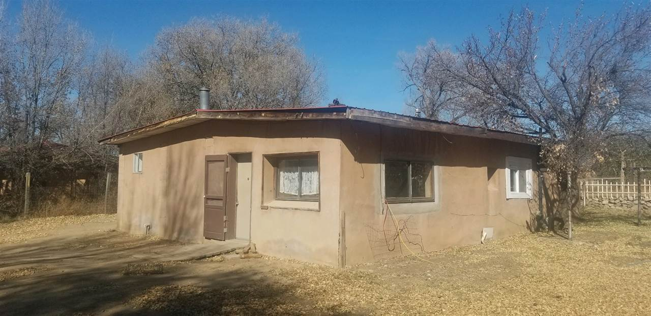 92 St Road 240, Ranchos de Taos, NM 87557