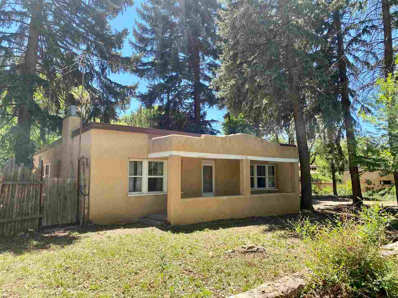 313 Burch Street, Taos, NM 87571