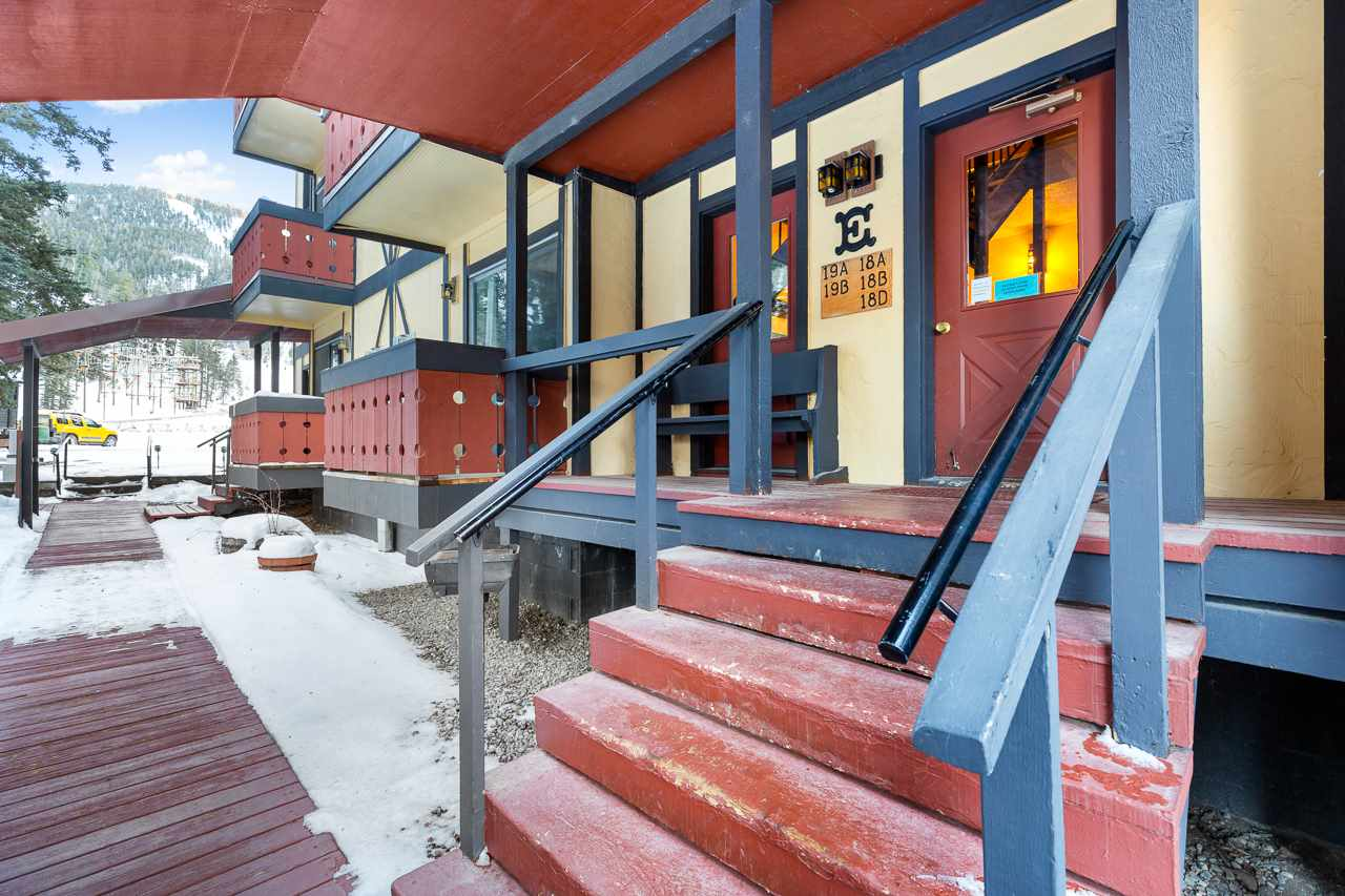 303 Pioneer, Red River, NM 87558