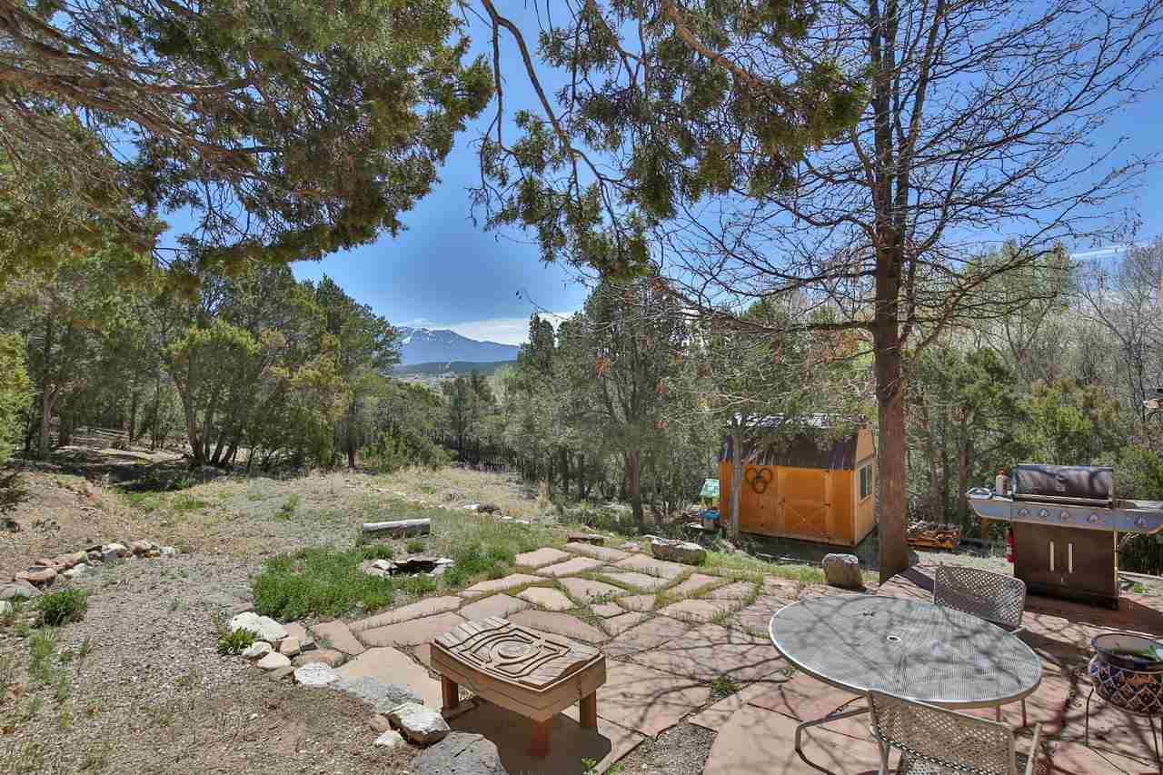 97 Old State Rd 3, Taos, NM 87571