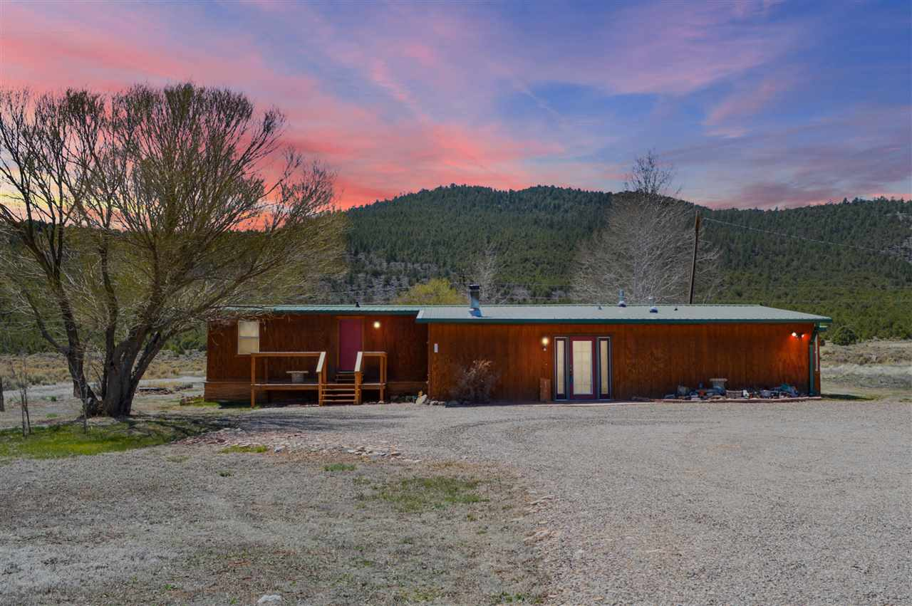 130 State Road 378, Cerro, NM 87519