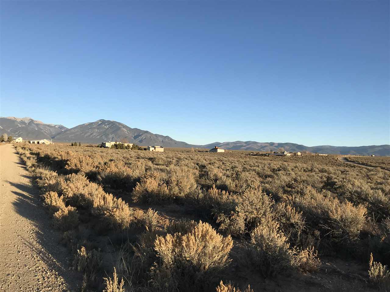 5A Tune Drive, Taos, NM 87571