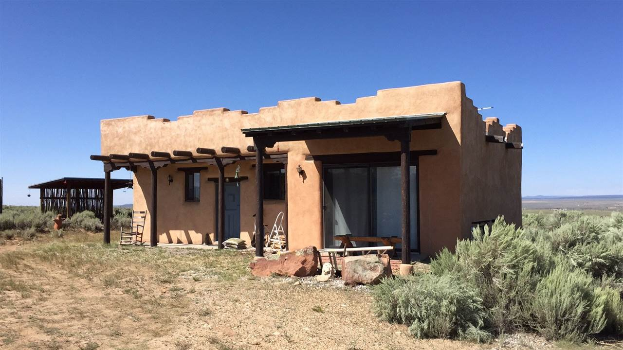133 Mesa Sea Rd, Arroyo Hondo, NM 87513