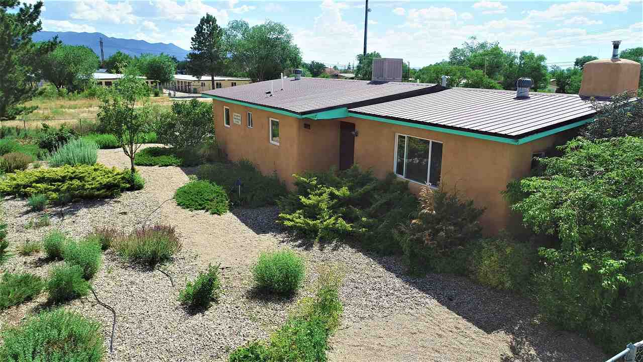 219 Cavalry Road, Taos, NM 87571