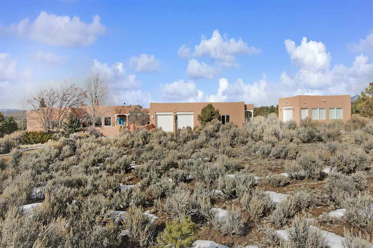 71 Coyote Loop, Arroyo Hondo, NM 87513
