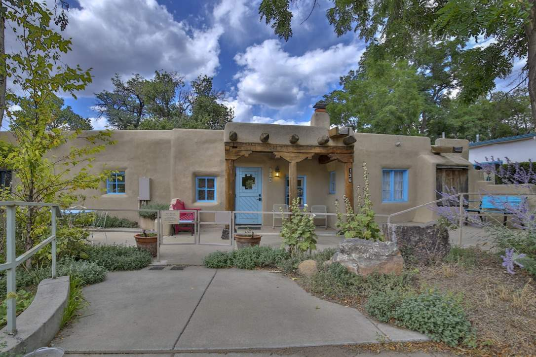 136 Bent Atreet, Taos, NM 87571