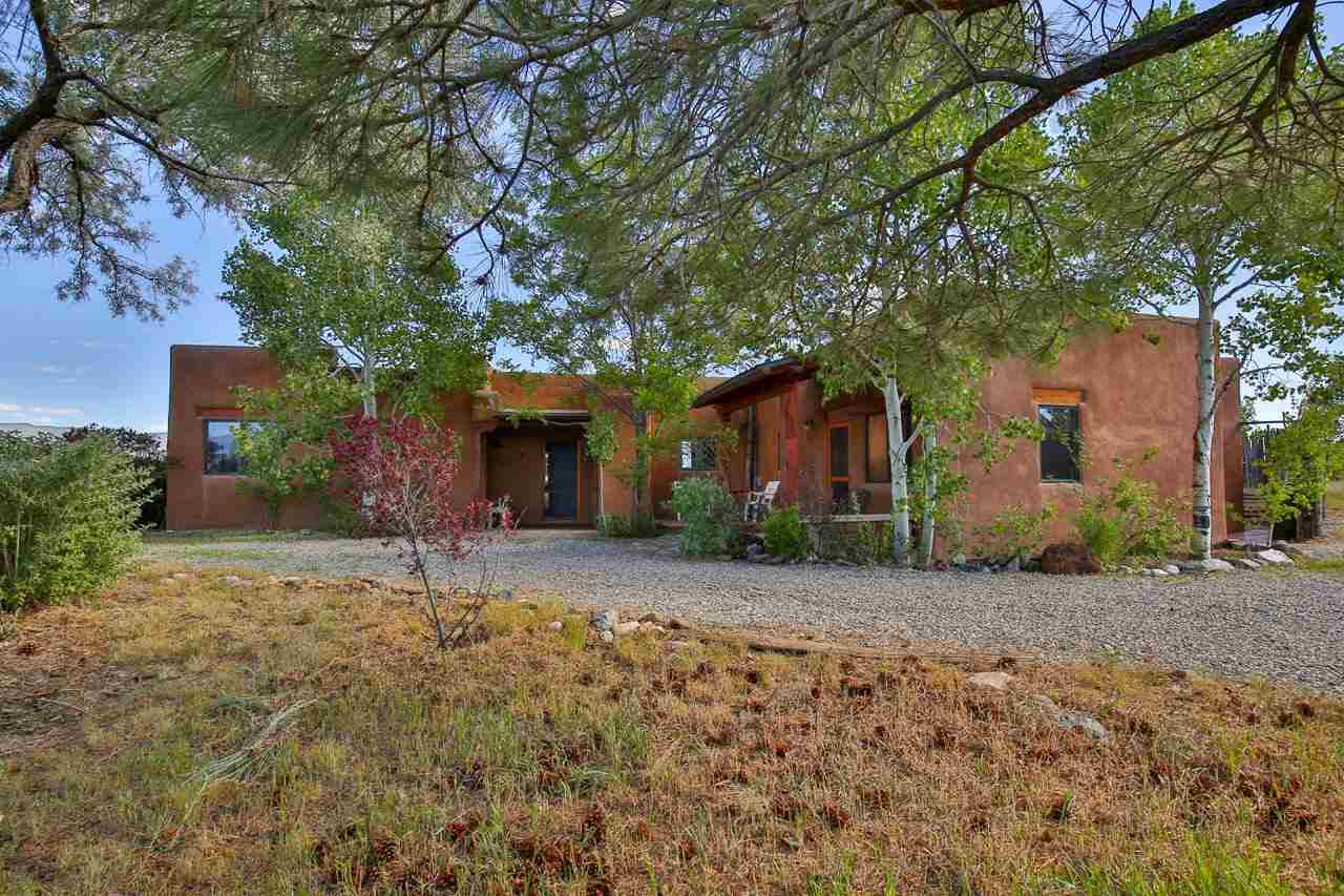 3 Painter Rd, El Prado, NM 87529