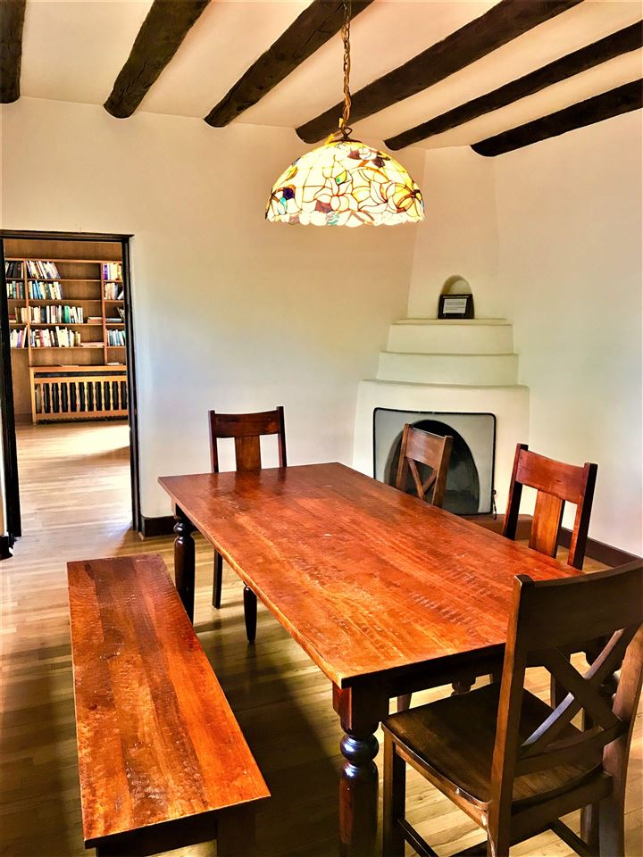 303 Pond Court, Taos, NM 87571