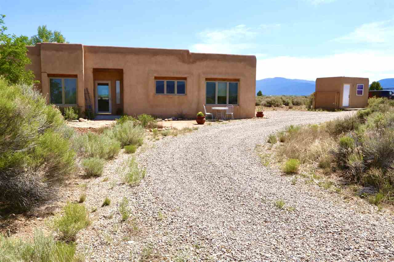 222 Cuchilla Road, Taos, NM 87557