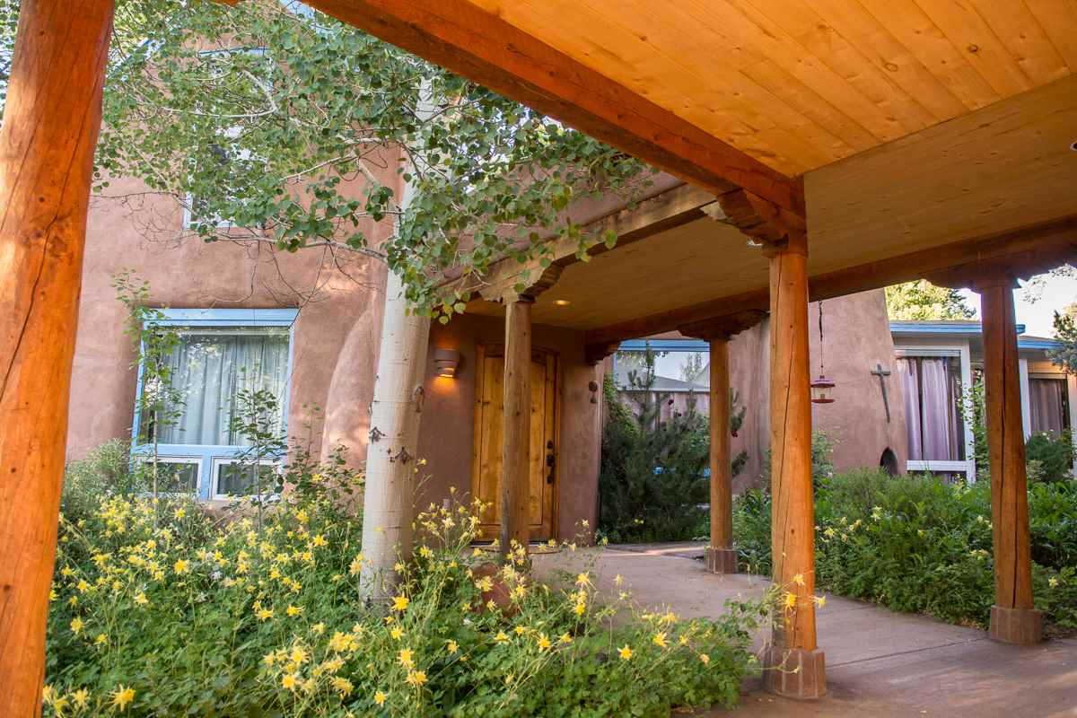 375 Upper Ranchitos, Taos, NM 87571